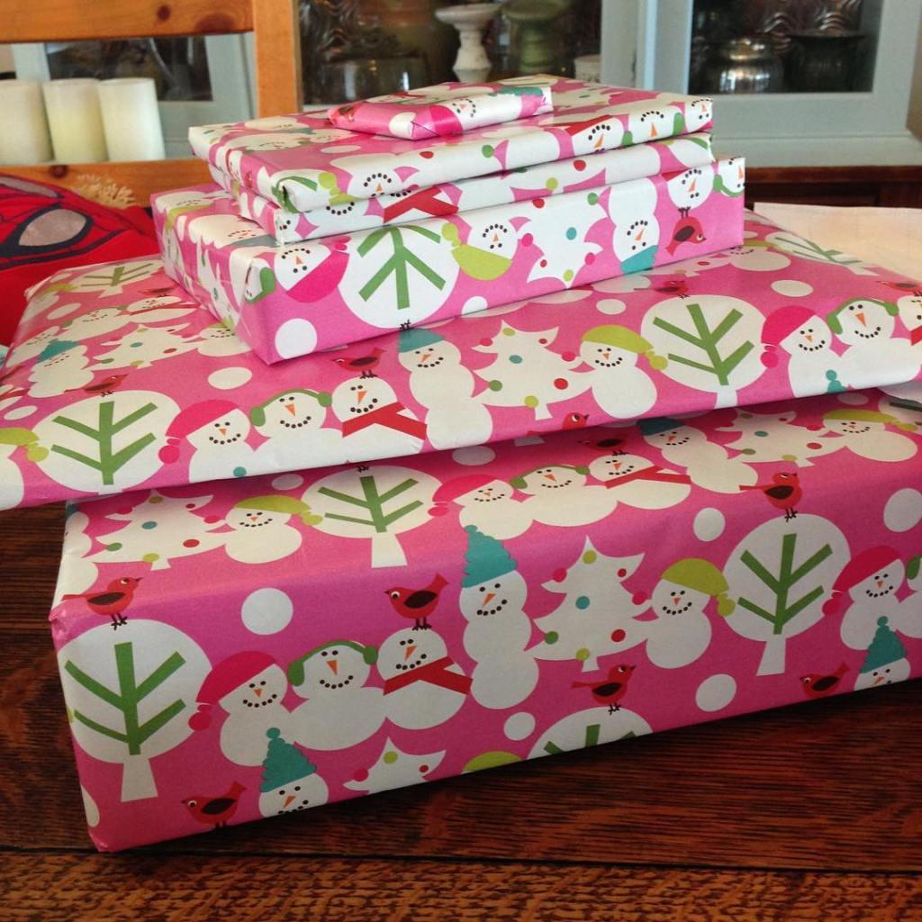 Wrapping presents while the kids are out of the househellip