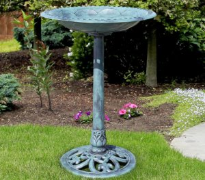 classic bird bath design