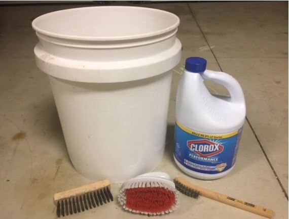 cleaning supplies for bird feeders