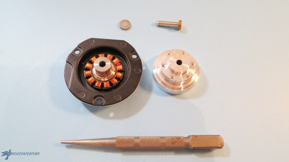 Upcycle a hard drive into a one of a kind clock   Birdz of a Feather   hard drive clock   hard drive clock diy   clocks   clocks diy   upcycle   upcycling   upcycling ideas   upcycled   repurposed   repurposed items  bridzofafeather.ca #upcycle #upcycling #repurposed