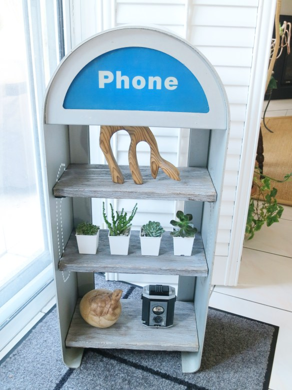 Repurpose a retro phone booth enclosure into a planter |Birdz of a Feather | Phone booth | phone booth vintage | upcycle | repurposed items | faux barn board | barn board projects | |planter | planter ideas | planters | planters diy | planter upcycle | planter upcycle repurposed | planter update | planter upcycle ideas | upcycling | upcycling ideas | upcycled | #upcycle #upcycling