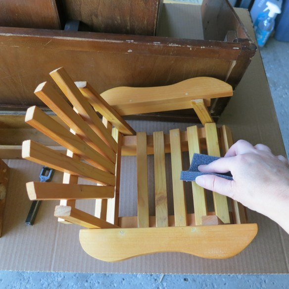 Learn how to get milk paint to stick to anything | Birdz of a Feather | mini adirondack chair | mini adirondack chair diy | mini adirondack | milk paint | milk paint furniture | planter | upcycle | upcycling | upcycling ideas | upcycled | repurposed | repurposed items | birdzofafeather.ca #upcycle #upcycling #repurposed #adirondackchairs
