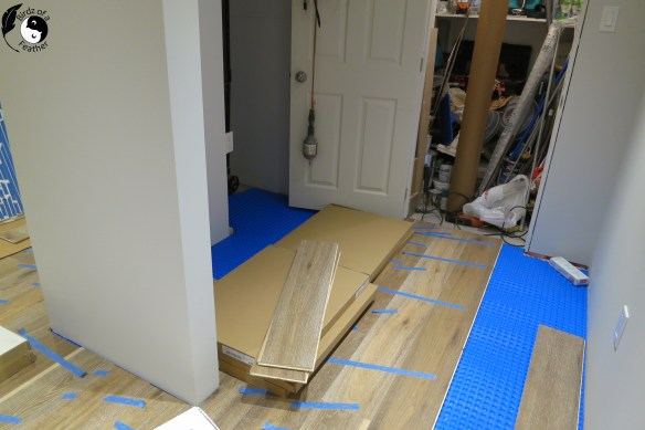If you are considering installing real hardwood in a basement, an engineered hardwood floor should be your only consideration. Our tutorial explains how to install it the right way! Hardwood floor   Birdz of a Feather   hardwood floor diy   hardwood floor diy install   DIY   tips for installing hardwood floor #birdzofafeather.ca #hardwoodfloor #hardwoodfloorinstallation