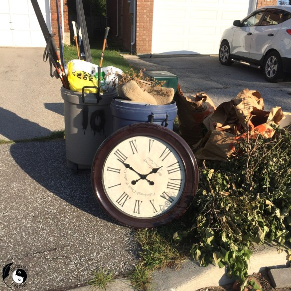 Clock found on garbage day used for Wooden Wall Art DIY