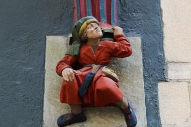 https://pixabay.com/de/photos/t%C3%BCbingen-figur-hausfigur-historisch-4490762/