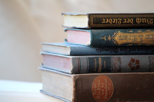 books-4305459_1920