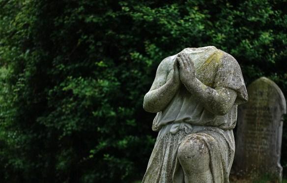 statue-2467255_1920