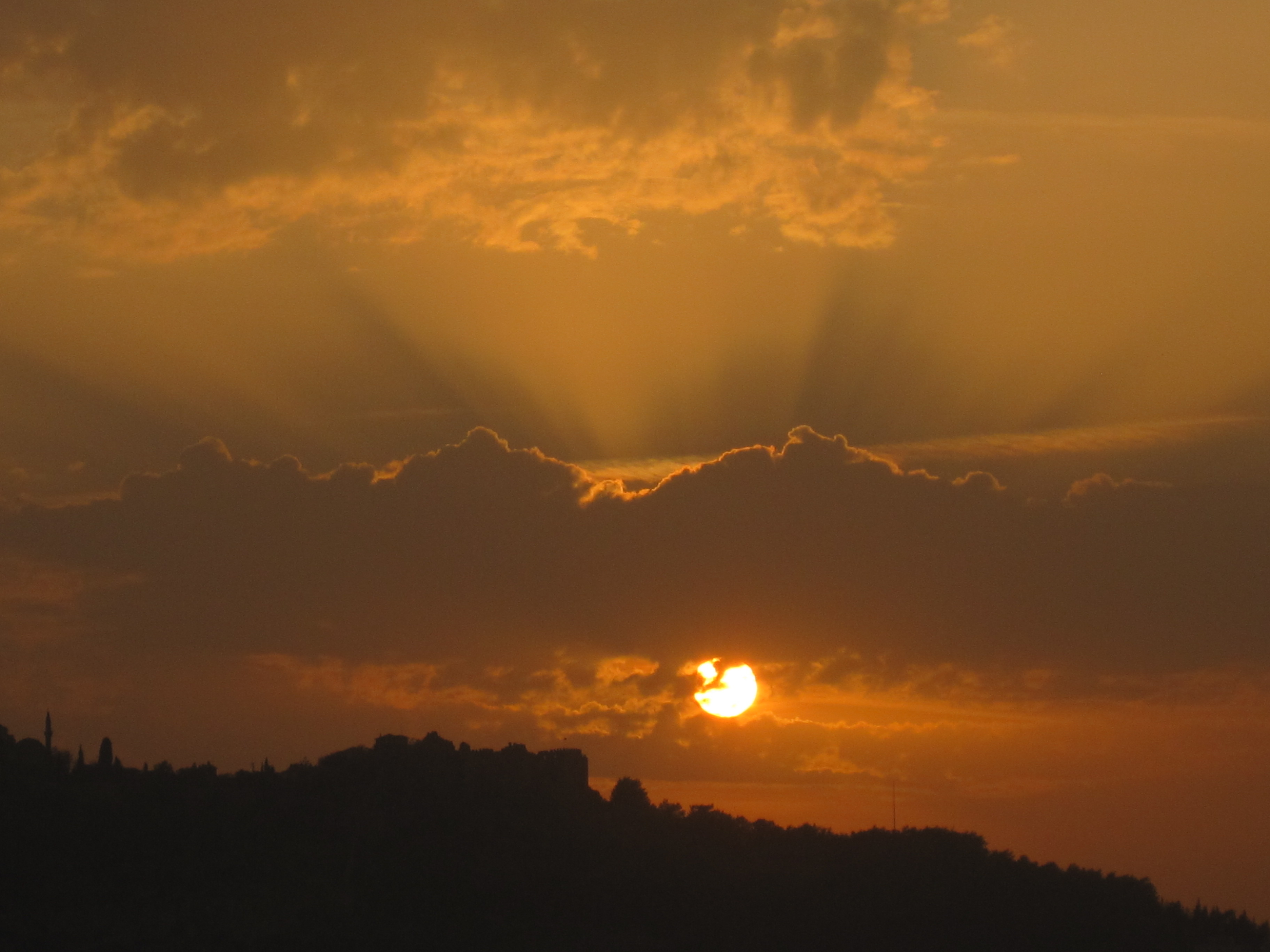 Solnegång över Borgen i Alanya, Turkiet