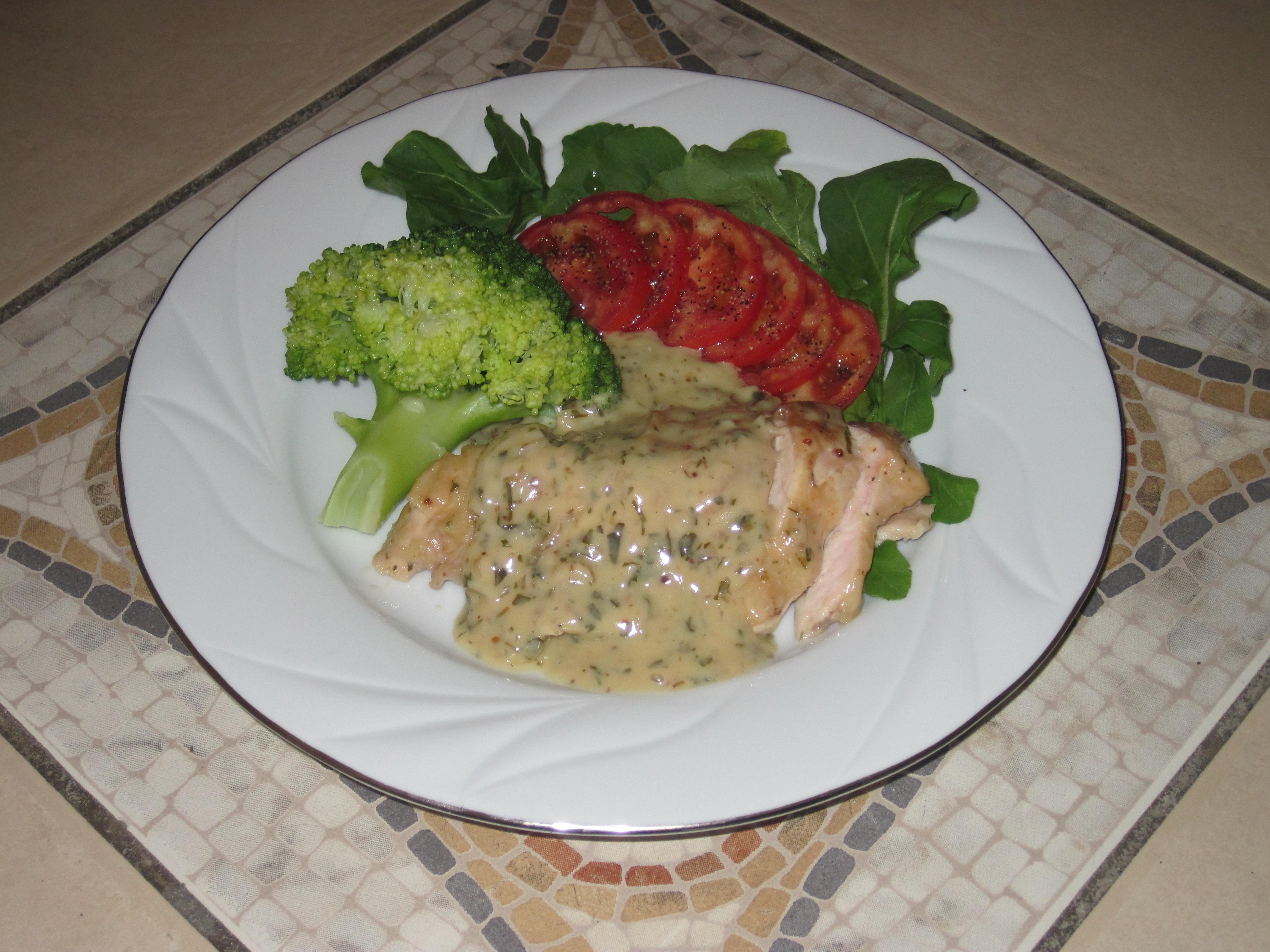 Grillat Kycklingbröst med Dragon-Smörsås och Broccoli