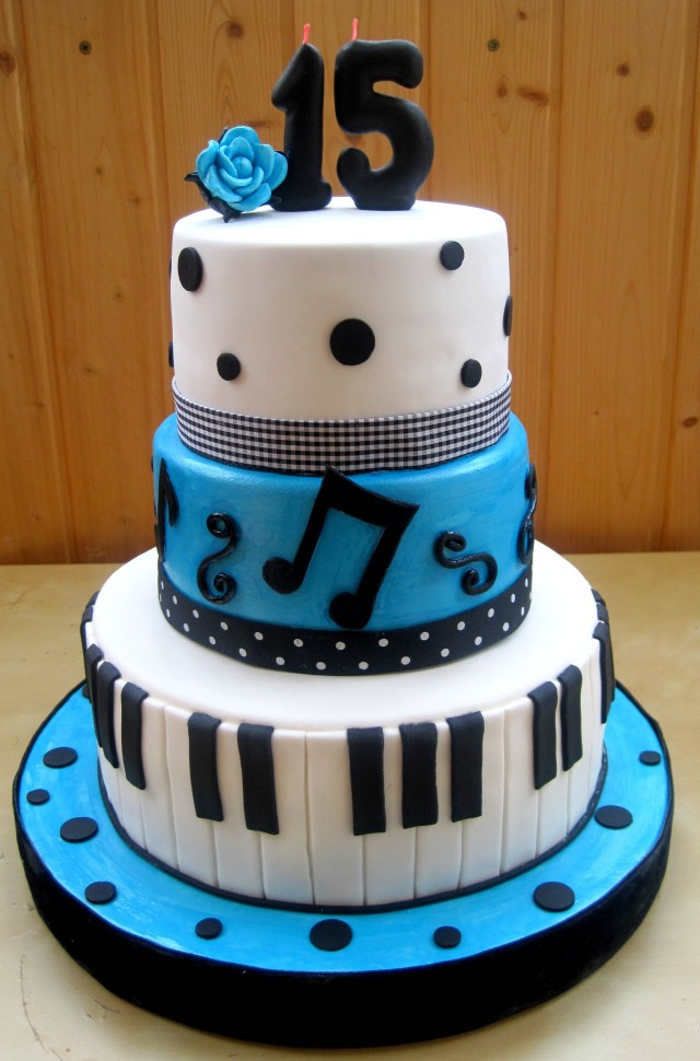 15 Birthday Cake Blue Quinceanera Cake Ideas Pastel Blue And White Cake With