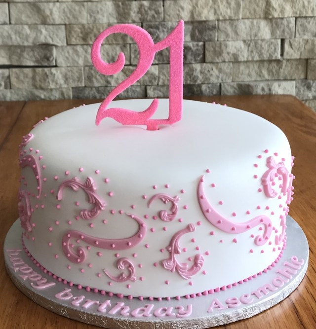 21St Birthday Cakes For Her 21st Birthday Cakes Mulberry Cakes And Cupcakes