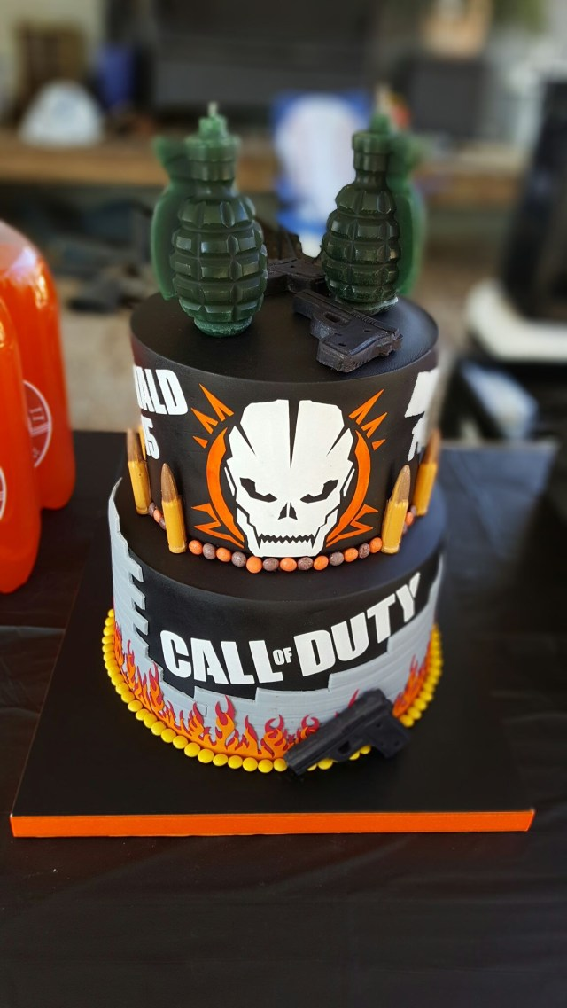Call Of Duty Birthday Cake Call Of Duty Black Ops Iii Birthday Cake Cakes Pinterest Call