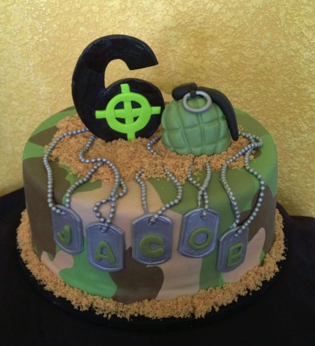 Call Of Duty Birthday Cake Call Of Duty Cake Army Cake So Cute For A Little Soldier