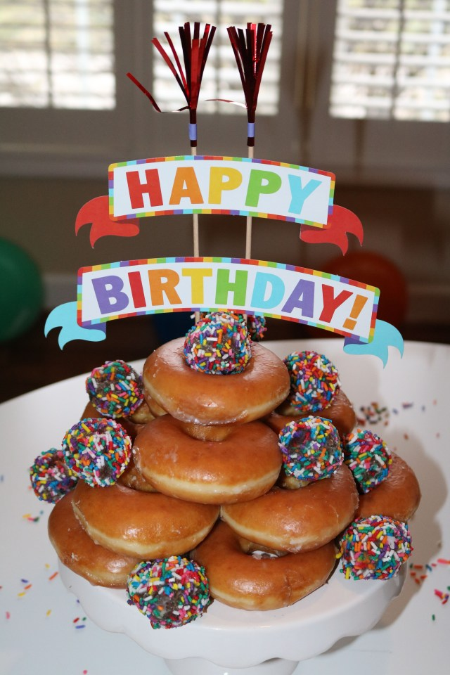 Donut Birthday Cake Lilah And Jax Are Officially 8 Amazing Tastes Pinterest