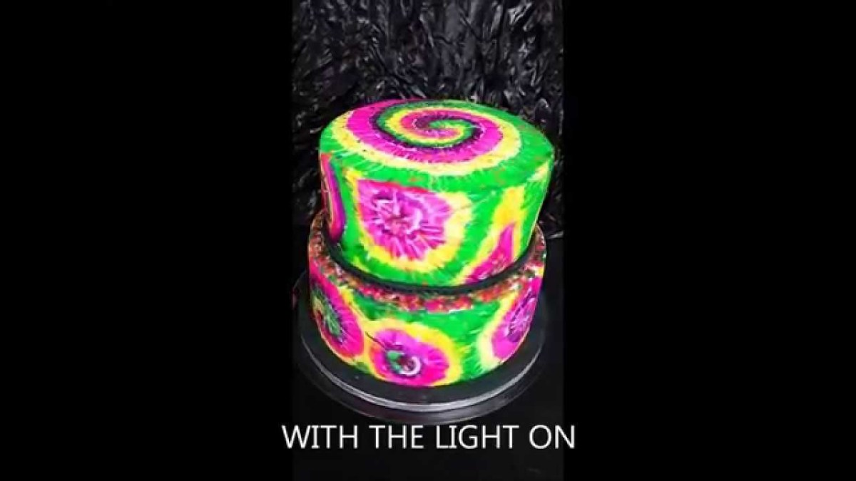 Remarkable Glow In The Dark Birthday Cake Uv Glow In The Dark Cake Youtube Personalised Birthday Cards Veneteletsinfo