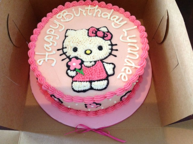 Hello Kitty Birthday Cakes Hello Kitty Buttercream Cake Gateau Pour Tamy Pinterest Hello