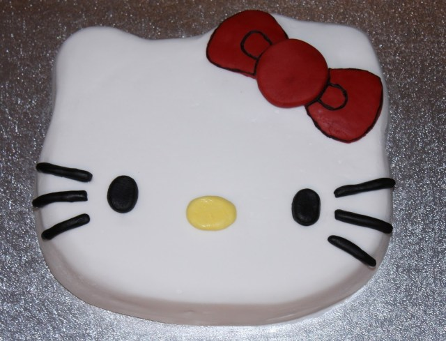 Hello Kitty Birthday Cakes Mellow Mummy The One With The Hello Kitty Birthday Cake Taking