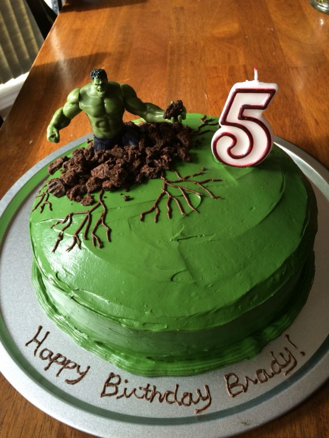 Hulk Birthday Cakes Easy Hulk Cake Green Buttercream Icing With Crushed Cookies Around