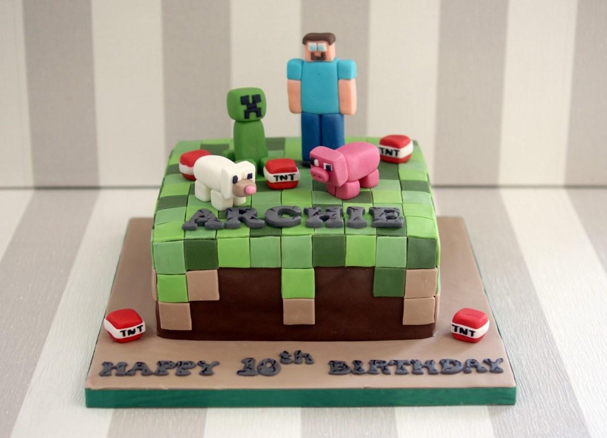 Admirable Minecraft Birthday Cakes Minecraft 10Th Birthday Cake Bakealous Funny Birthday Cards Online Inifodamsfinfo