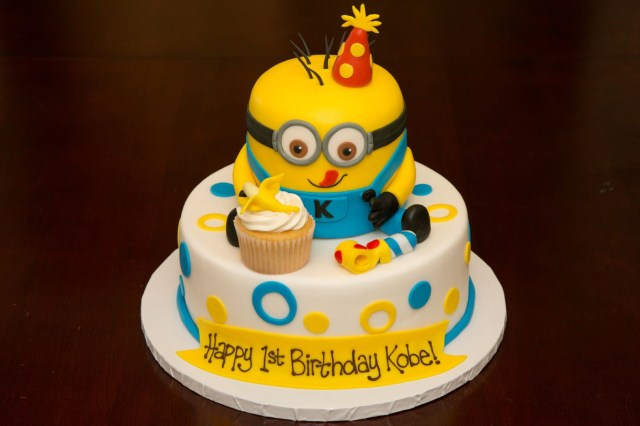 Minion Birthday Cake Images 1st Birthday Minion Cake Custom Cakes Pinterest Birthday