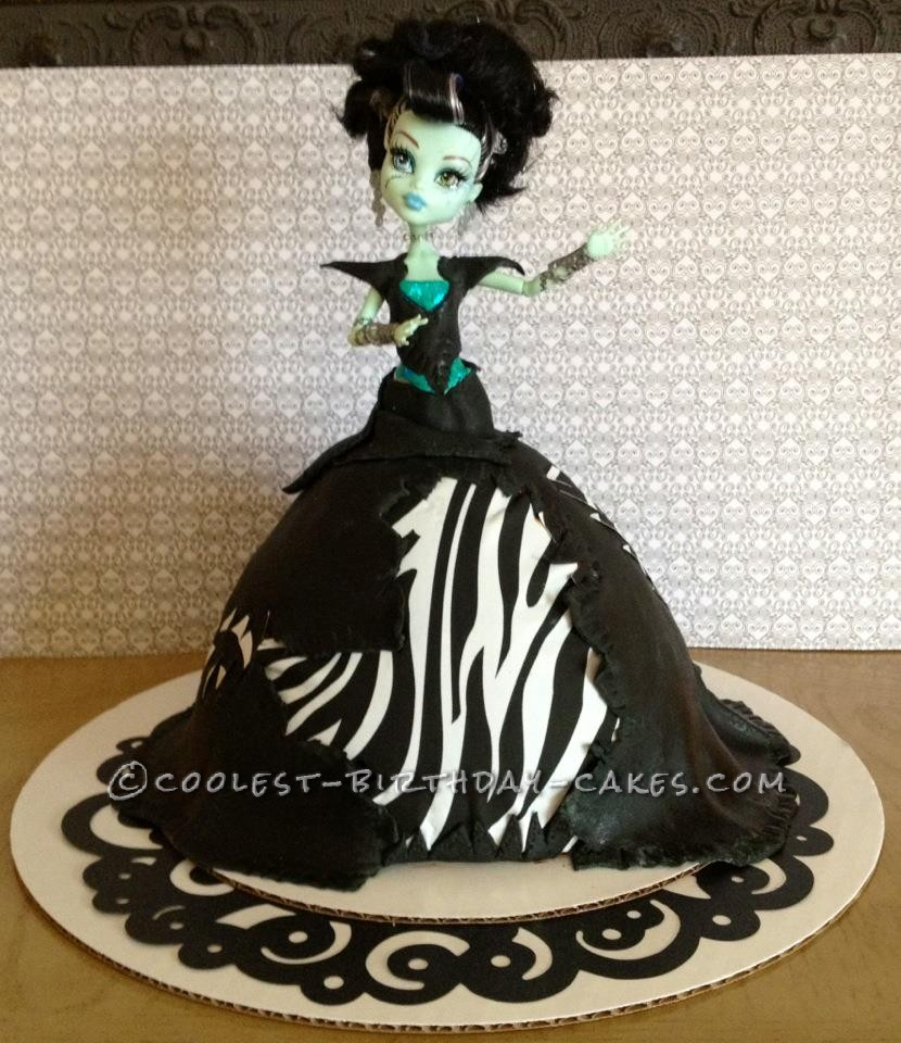 Fabulous Monster High Birthday Cakes Fabulous Monster High Frankie Stein Funny Birthday Cards Online Fluifree Goldxyz