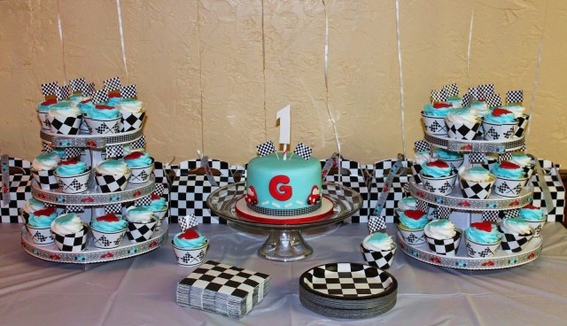 Race Car Birthday Cake Creative Cakes Lynn Race Car 1st Birthday Cake And Cupcakes