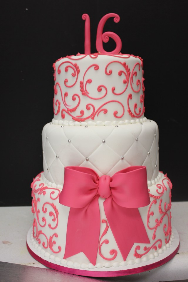 Sweet Sixteen Birthday Cakes Sweet 16 Cake Maybe In Red And Black And Gold Instead Sweet 16