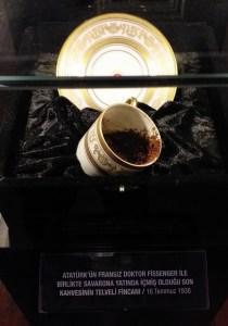 Sevmediğinden Değil - Son Kahve