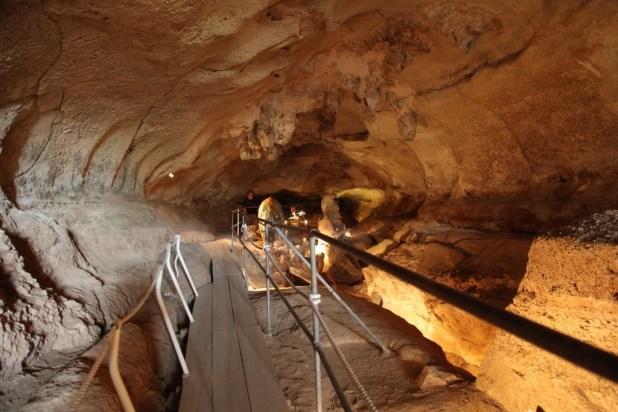 Malta_-_Birzebbuga_-_Triq_Ghar_Dalam_-_Ghar_Dalam_-_cave_08_ies (1024x683)
