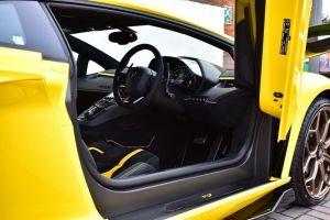 Lamborghini Aventador Svj Coupe hummer limo hire birmingham