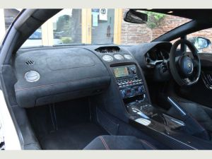 Lamborghini Gallardo hummer limo hire birmingham