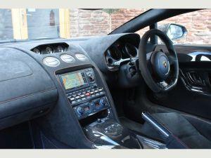 Lamborghini Gallardo cheap limo hire birmingham prices