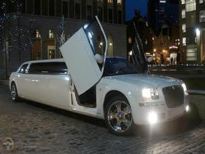 Chrysler C300 Baby Bentley Limo for Hire in Birmingham
