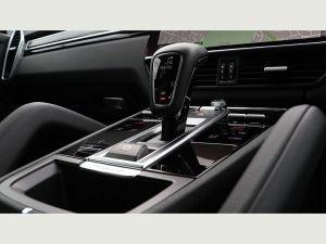 Porsche Cayenne Chauffeurs Hire London Prestige Sports Car UK