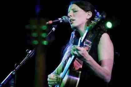Martha-Tilston-live-6547C6