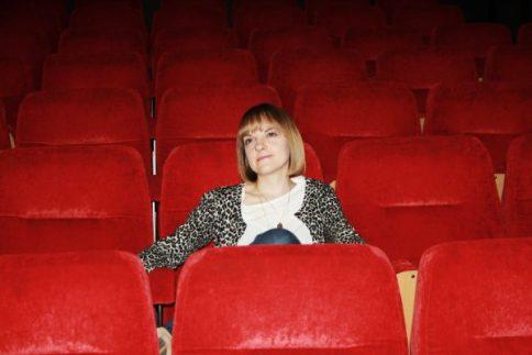 INTERVIEW: Amy Smart – Flatpack: Assemble