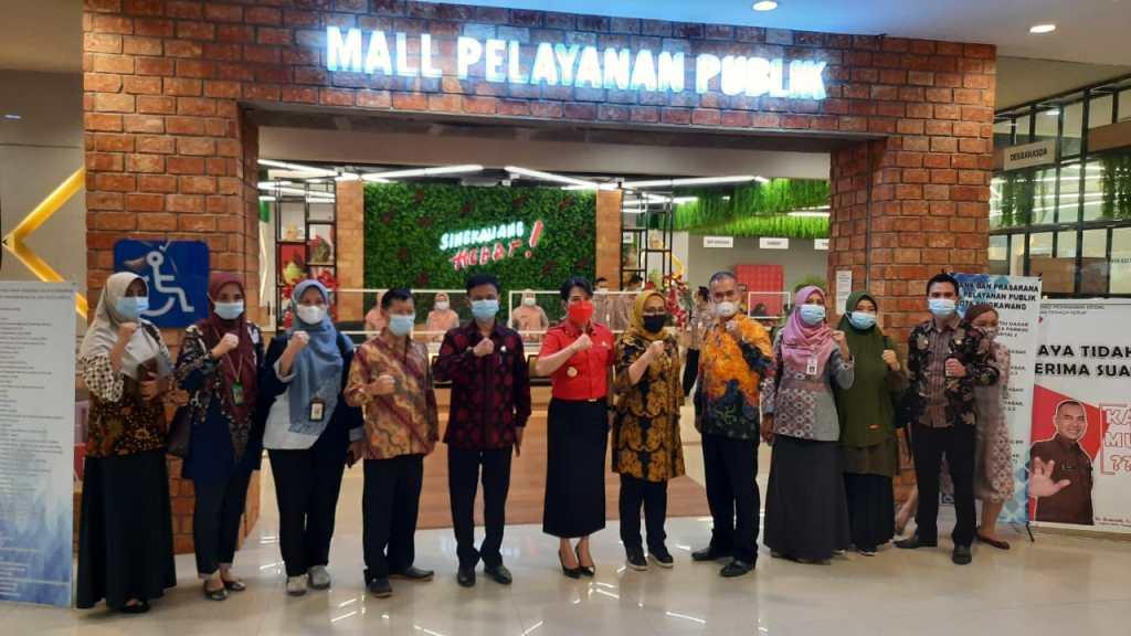 Perwakilan Kementerian PAN & RB melakukan kunjungan ke Mal Pelayanan Publik Kota Singkawang