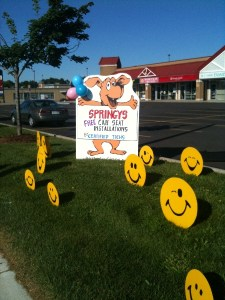 Puppy Dog Lawn Sign with Smiley Faces Lawn Ornaments