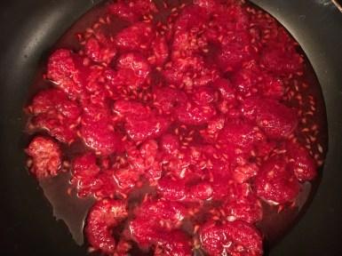 Sweet raspberry sauce for white chocolate cheesecake