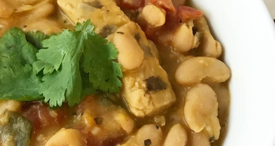 White Bean and Chicken Vegan Chili Recipe