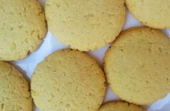 Gari and cassava comes together perfectly in this cassava coconut biscuits.