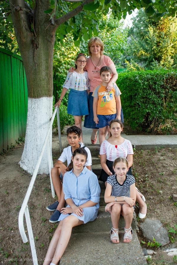 Hristos impartasit copiilor - curs foto