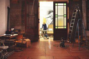 Ira Mowen working in his studio.