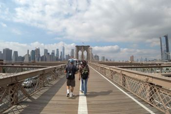 Walk along East-River-Promenade, New York City