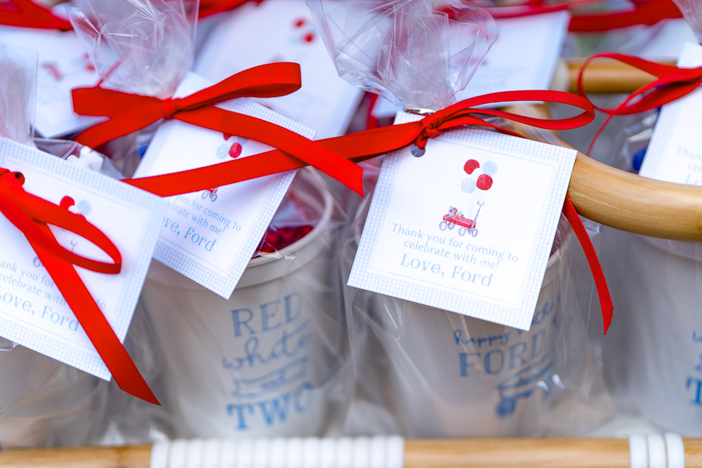 party favors gift tags red ribbon