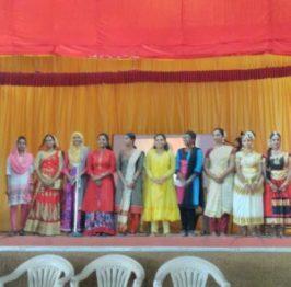 Contestants-Anuja, Thasni, Aisha, Jisha, Keerthi, Athira, Surya, Shruthy, Anusha, Varsha