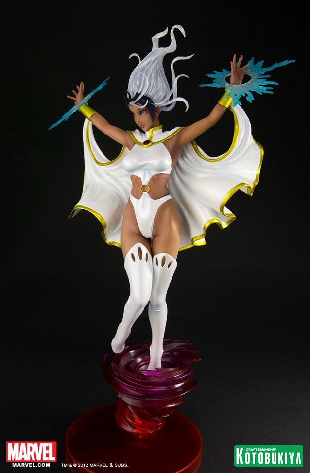 marvel-comics-storm-bishoujo-white-costume-sdcc-2012-exclusive-3