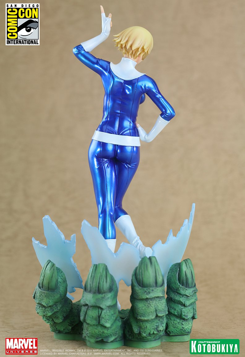 marvel-comics-invisible-woman-sdcc-2011-exclusive-bishoujo-statue-4