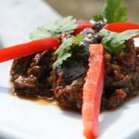 סלט חצילים מבושל בסיר לבישול איטי