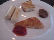 Continental brekfast (chicken sausages, hash brwonies, ketchup,...) at Sheraton.